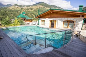 kristiania-leading-nature-wellness-resort-piscina-esterna-2